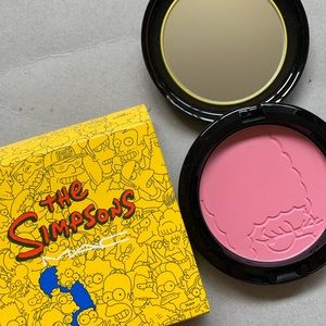 "MAC ""The Simpson's"" Pink Sprinkles blush"